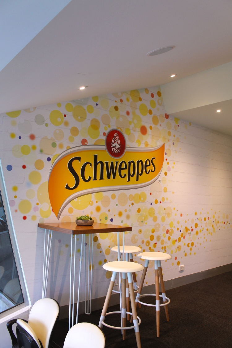 schweppes_table_stools